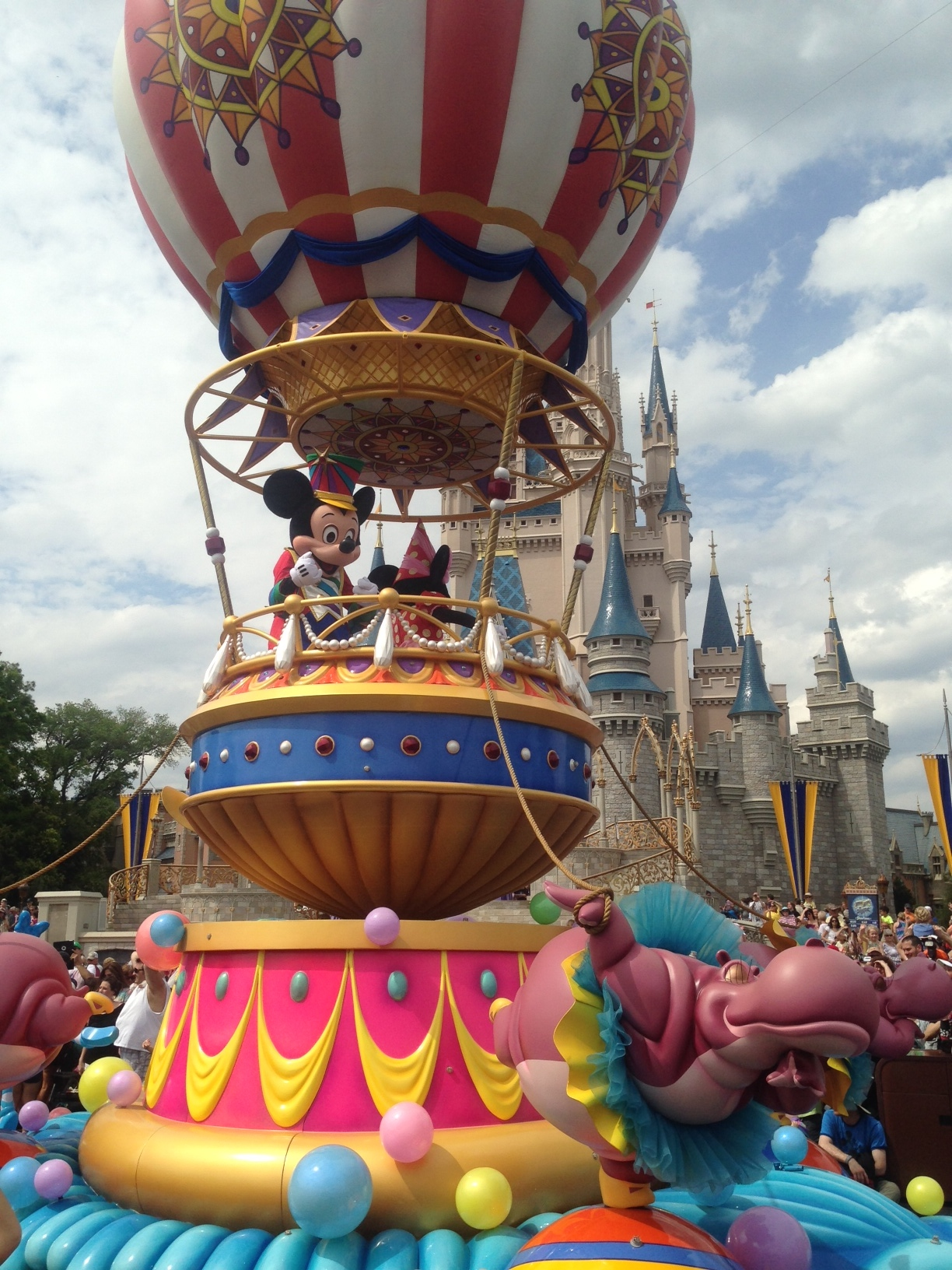 The NEW Festival of Fantasy Parade at the Magic Kingdom is FANTASTIC!